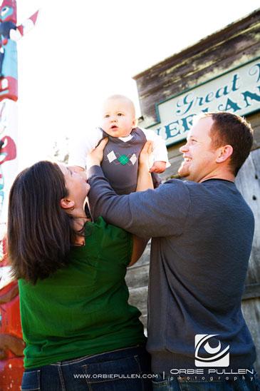 Santa Cruz Family Portrait Photographer Orbie Pullen captured this photograph of a cute baby in Santa Cruz, Ca.