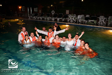 Jumping-in-the-pool-wedding-shot-13